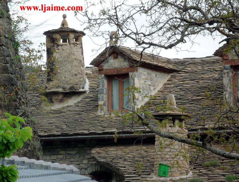Curiosidades espantabrujas - Casas del pirineo ...